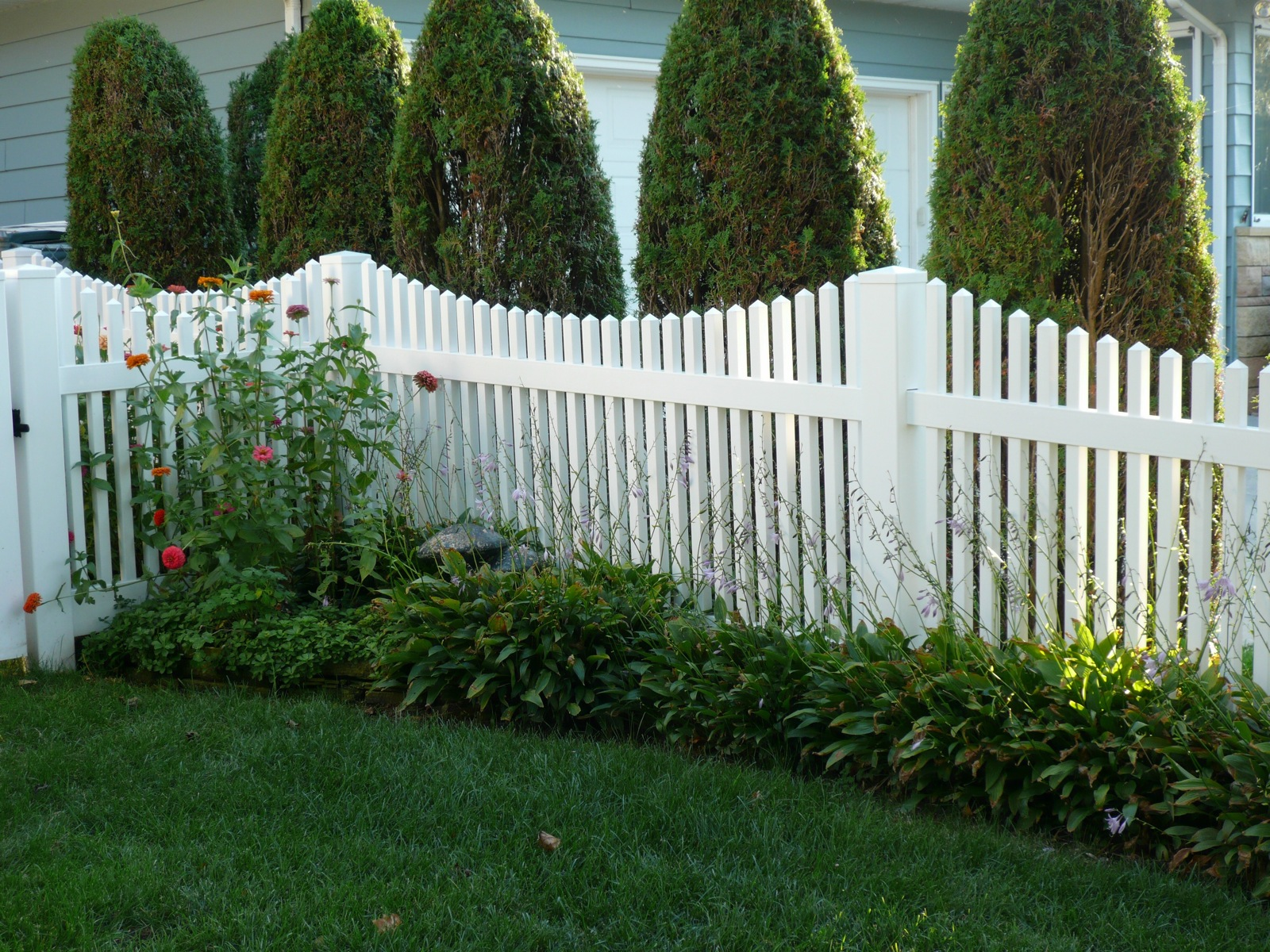 vinyl fence image 111